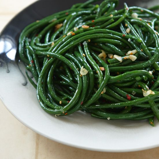 Gingered Green Beans | Scott Conant makes his crisp-tender beans with ground ginger, since freshly grated ginger invariably creates unappealing little chunks.