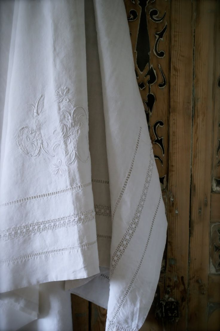 White, Embroidered Linens, always Pretty~❥