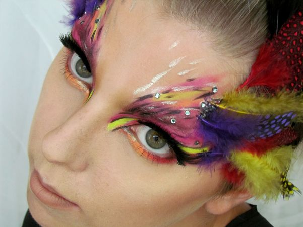 Ptačí Maska / Bird Mask Halloween Makeup Tutorial http://getthelouk.com/?p=3316