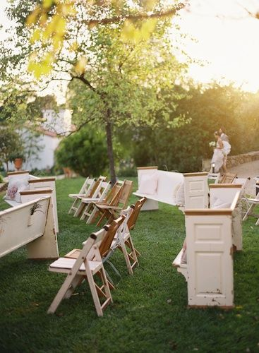 mismatch seating is perfect for a small outdoor wedding