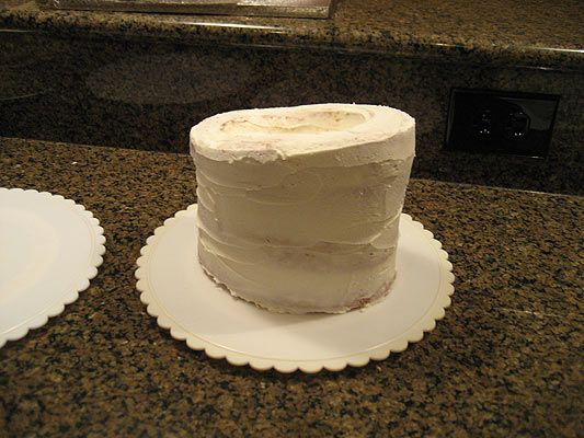 Here are my step-by-step instructions for making a cowboy hat cake.This particular cake was made for a coworker for her 50th...