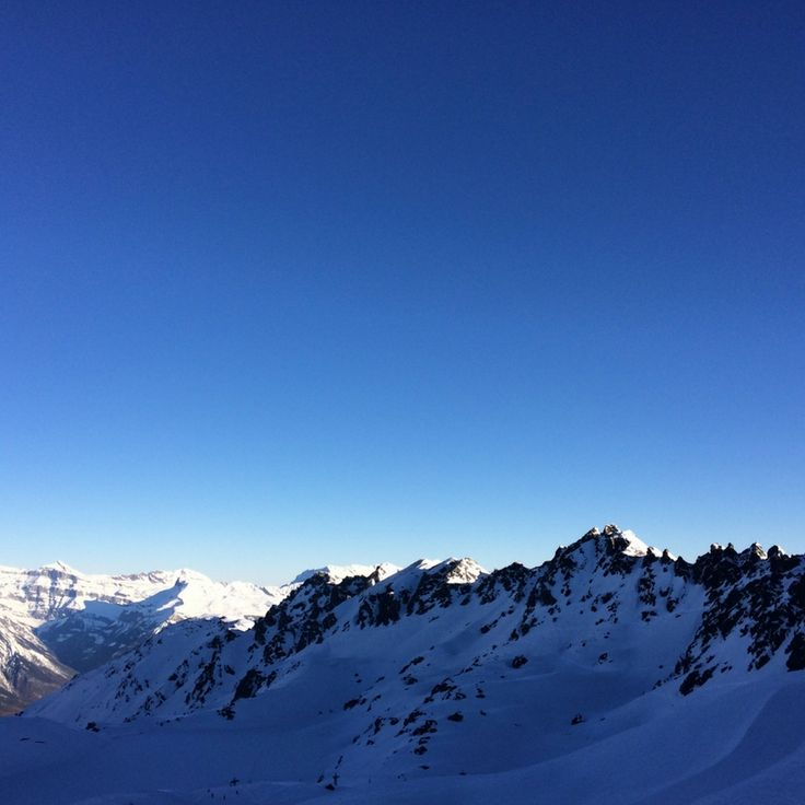 beautiful shades of blue from the pistes of Verbier! #ski#beautifulday#snow#winter