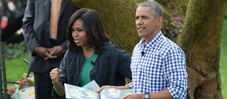 Désormais éloigné de la Maison Blanche, le couple Obama profite de la vie et cultive sa « cool attitude ». En mai dernier, l'ex couple présidentiel était aperçu en Toscane. Dans des tenues décontractées, ils semblaient profiter avec bonheur du charme de l'Italie. Particulièrement blagueurs et taquins, foncièrement différents du couple formé par Donald et Melania Trump, Michelle et Barack Obama semblent particulièrement manquer aux américains. A tel ...