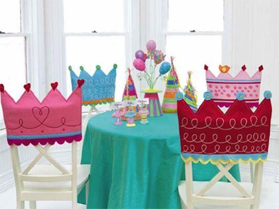 Coroa para cadeiras da Festa de Princesa - Dicas pra Mamãe