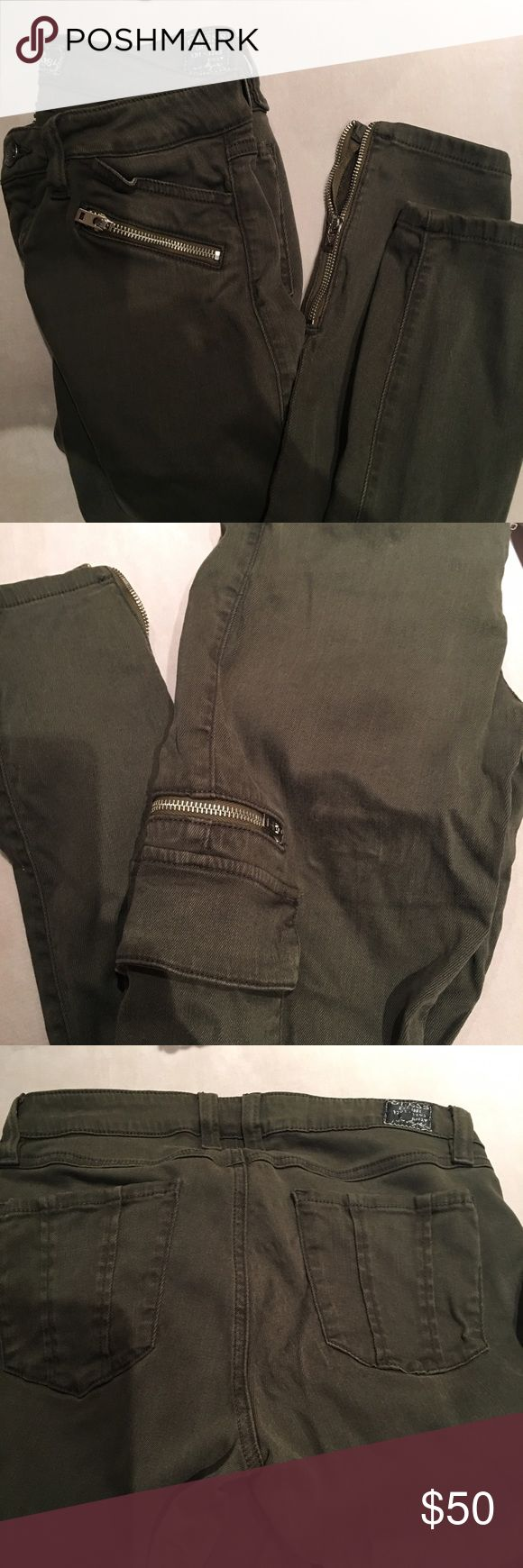 Guess Dusty Olive jeans with side pockets Excellent condition Guess Jeans Skinny