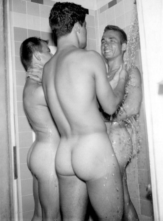 barts-vintage-nude-boys-locker-room-vargin-brest