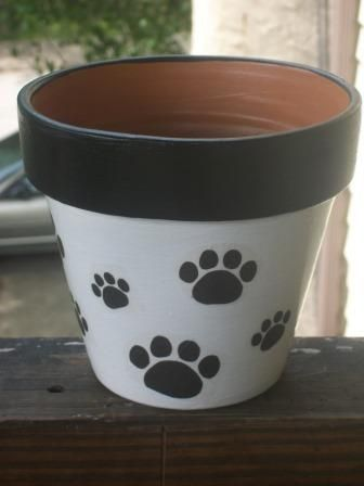 Paw Terra Cotta pot