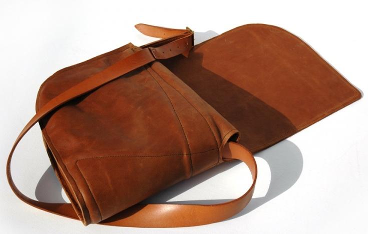DE BRUIR Mens Shoulder Bag