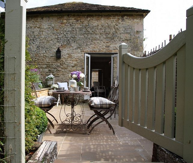 French cottage french cottage balcon terrasse for Maison style cottage