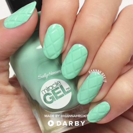 Nail Art Stencils Tutorial for Cool Criss Cross Nails #darbysmart #beautytips #b…