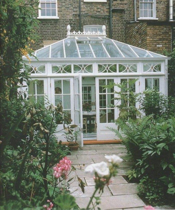 veranda style victorien, aménagée en salle de séjour, petite véranda en blanc…