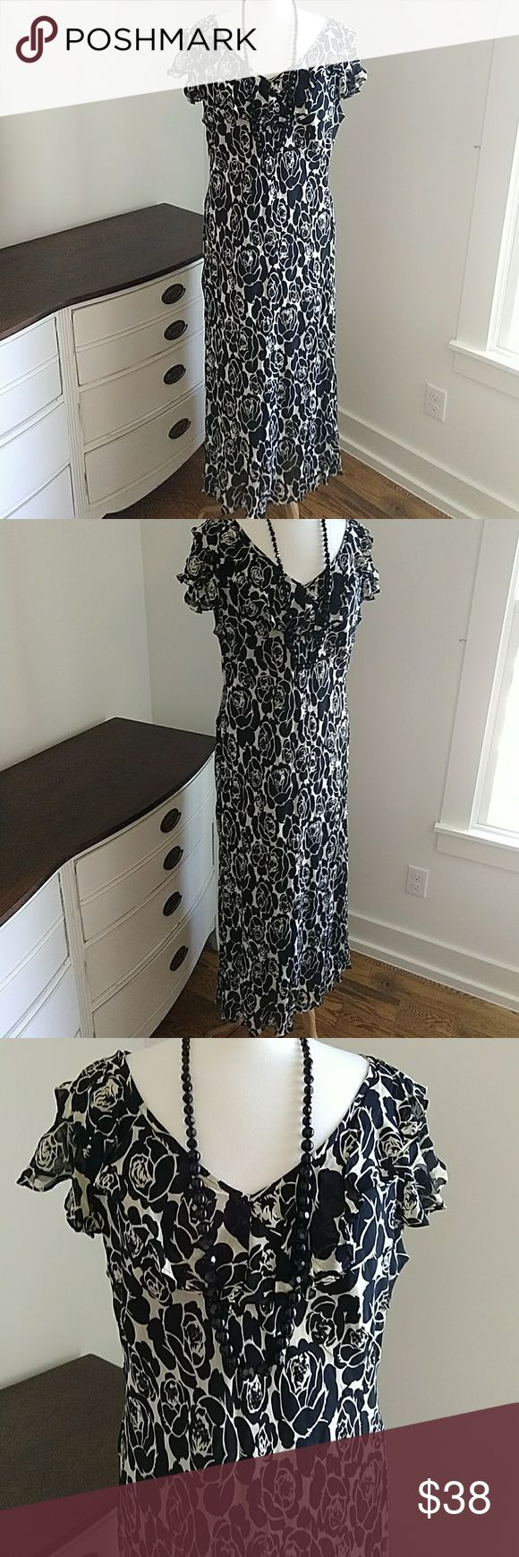 Black & Cream long dress by Paradise Plus NY Long and flattering. Chest flat 24 easily stretched to 26 Length between 53 and 54 inches paradise plus NY Dresses