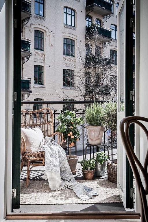 32 Luxury Apartment Design Ideas With Modern Balcony