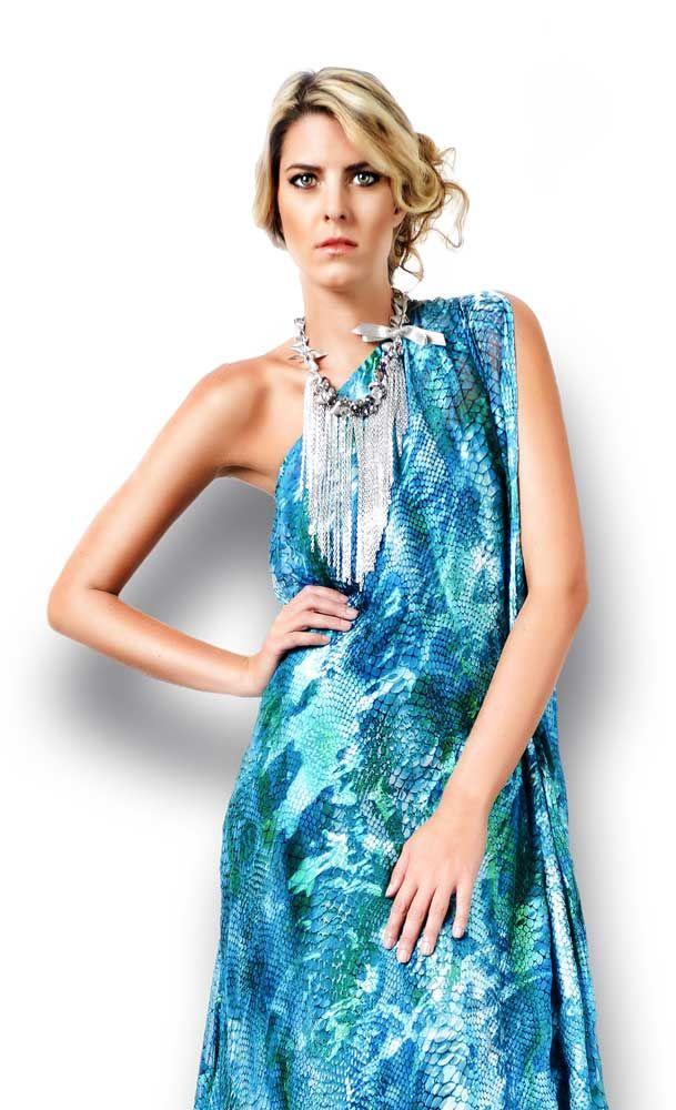 vestido hecho en seda natural de la diseñadora Mercedes Angel