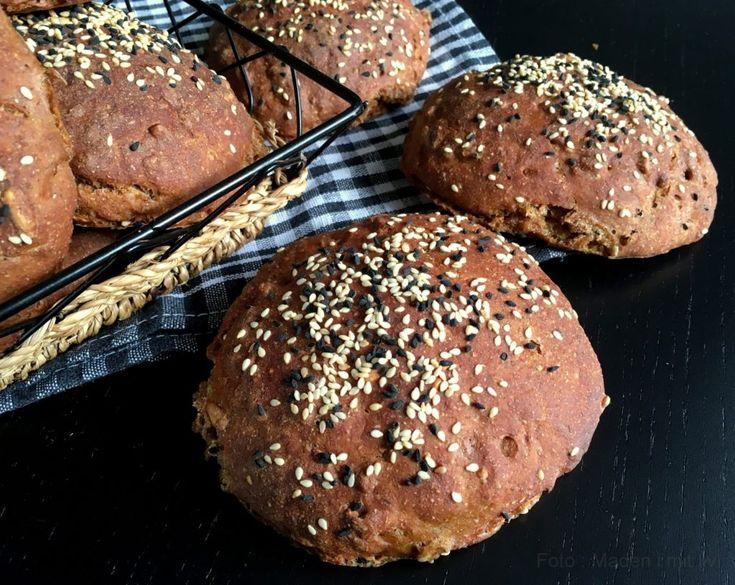 Lækre og bløde rugbrødsboller med gulerod …