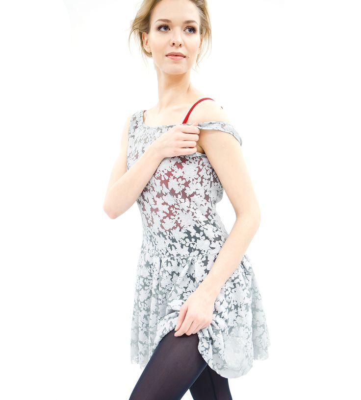 Dress  65% algodón, 28% poliamide  7% lycra