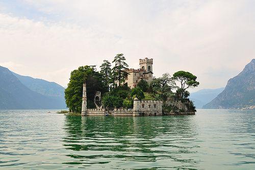 castle: George Clooney, Dreams Home, Northern Italy, Of Loreto, Castles, Islands, Places, Lakes Garda, Island