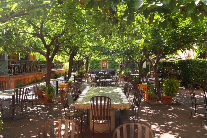 Tra Vigne Restaurant Eating At This Table In The Courtyard Was Restaurants Napa St Helena County