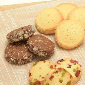 3種のアイスボックスクッキー(ココア、プレーン、ピスタチオ&クランベリー)