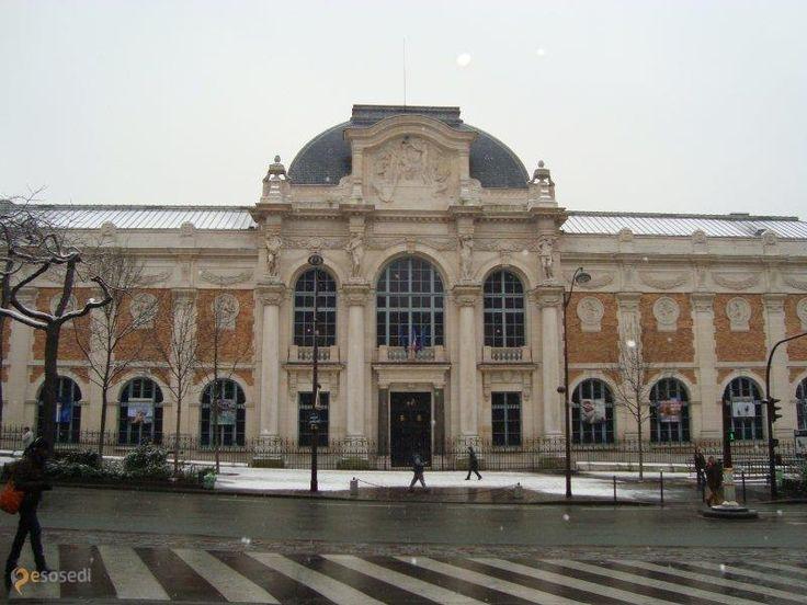 Национальная мануфактура гобеленов – #Франция #Иль_де_Франс #Париж (#FR_J) Здесь гобелены и делают и проводят экскурсии по галерее гобеленов  ↳ http://ru.esosedi.org/FR/J/1000242000/natsionalnaya_manufaktura_gobelenov/