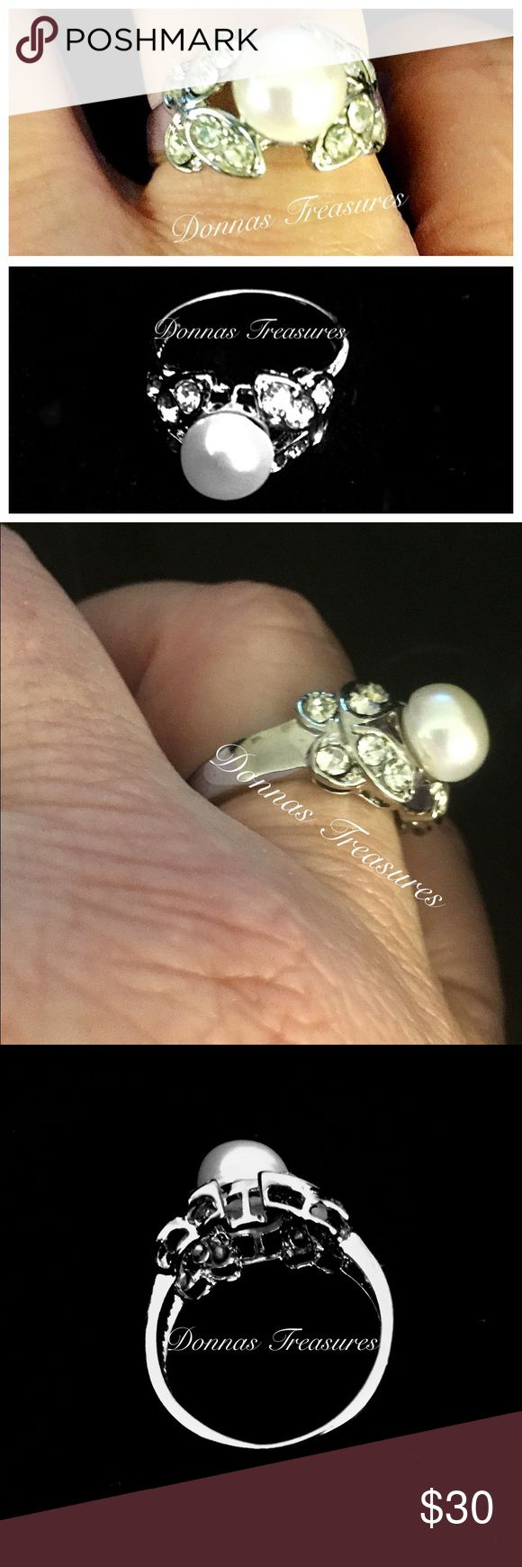 🎉Natural Cultured Pearl & Crystal Ring This vintage inspired piece features a natural diamond between two butterflies started with white crystals. The setting is a nickel free alloy. #0845-2 Jewelry Rings