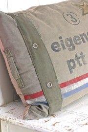 Leefkussen legergroen PTT Post 90x60cm   Plaids & Kussens   Label 123