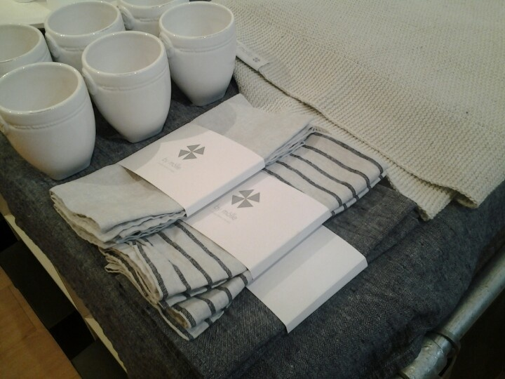 Prachtige linnen servetten & tafelkleed van by molle nieuw in de winkel