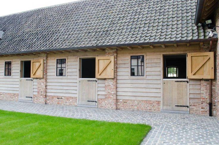 25 beste idee n over paardenstallen op pinterest droom for Verplaatsbaar huis