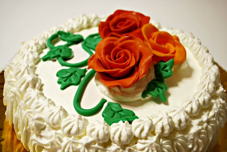 Torta+alla+crema+con+rose+di+mmf