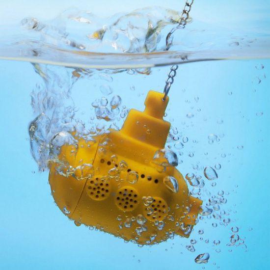 Лайфхак от @razverni Если нужно быстро остудить горячий чай или кофе, положите в чашку 3–4 чайные ложки или 1–2 столовые. Заварочная ёмкость - Подводная лодка Yellow submarine https://razverni.com/~eW0ug