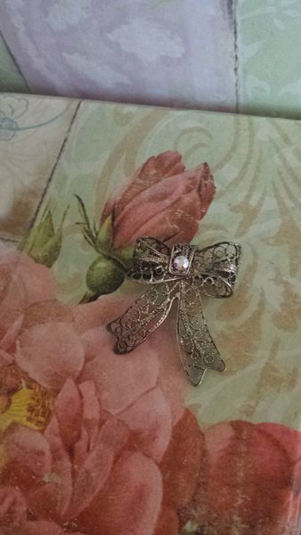 Vintage Sterling Silver Bow Pin