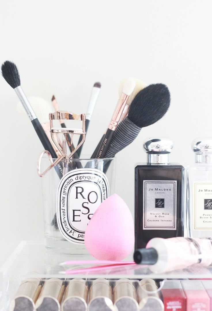 Must Have Makeup Brushes (Pint Sized Beauty)