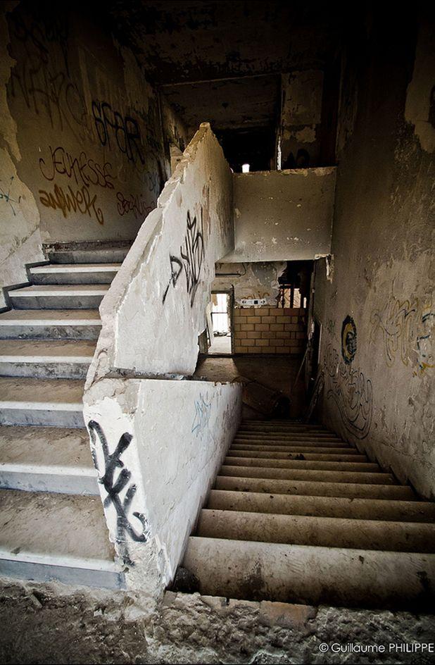 46 best mallet stevens villa gavroi images on pinterest villa cavrois villas et croix. Black Bedroom Furniture Sets. Home Design Ideas