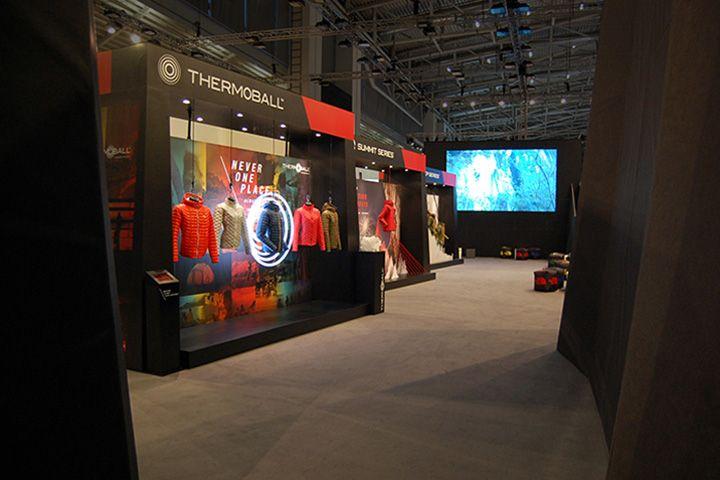The North Face stand on ISPO Munich 2014 by International Orange & Aram Leeuw » Retail Design Blog