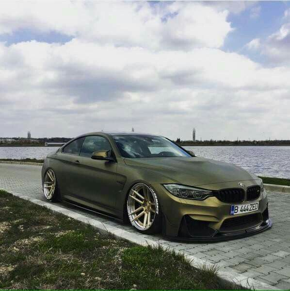 BMW F82 M4 matte green slammed