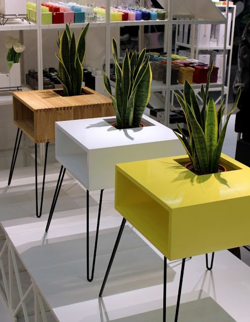 Nice retro table with built in plant.