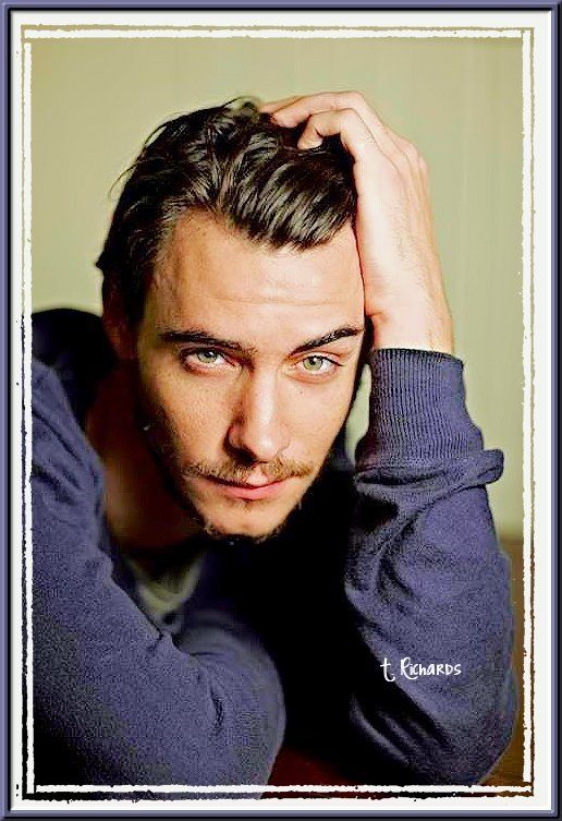 I love Harry Lloyd - dragon or not, wish GRRM would bring him back to us.