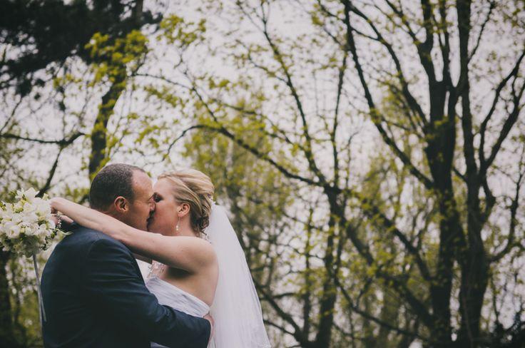 wedding kiss ślub fotografia ślubna #weddingphotography http://www.nieobiektywni.pl/2014/02/17/aneta-luke-wedding/