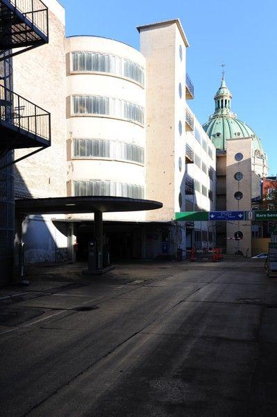 Arkitekturbilleder.dk - Bygningsværk - Palægaragerne