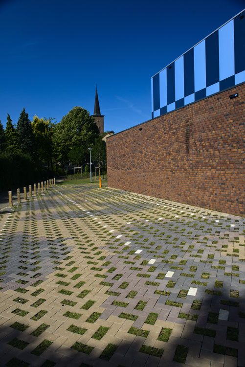 Campus-Venlo-by-Carve-Landscape-Architecture-14-all-pavement-patterns-are-possible