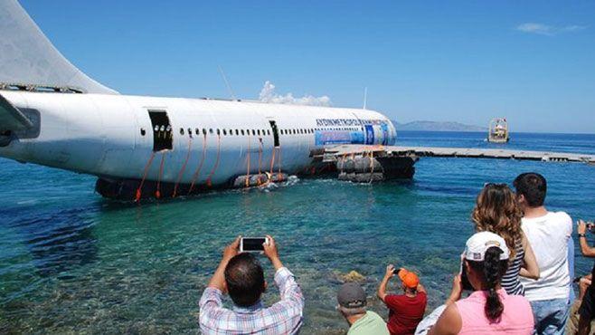 Turquía ha hundido en sus aguas un avión Airbus A300 para que sirva como arrecife artificial para que contribuya a atraer el turismo de buceo. La aeronave