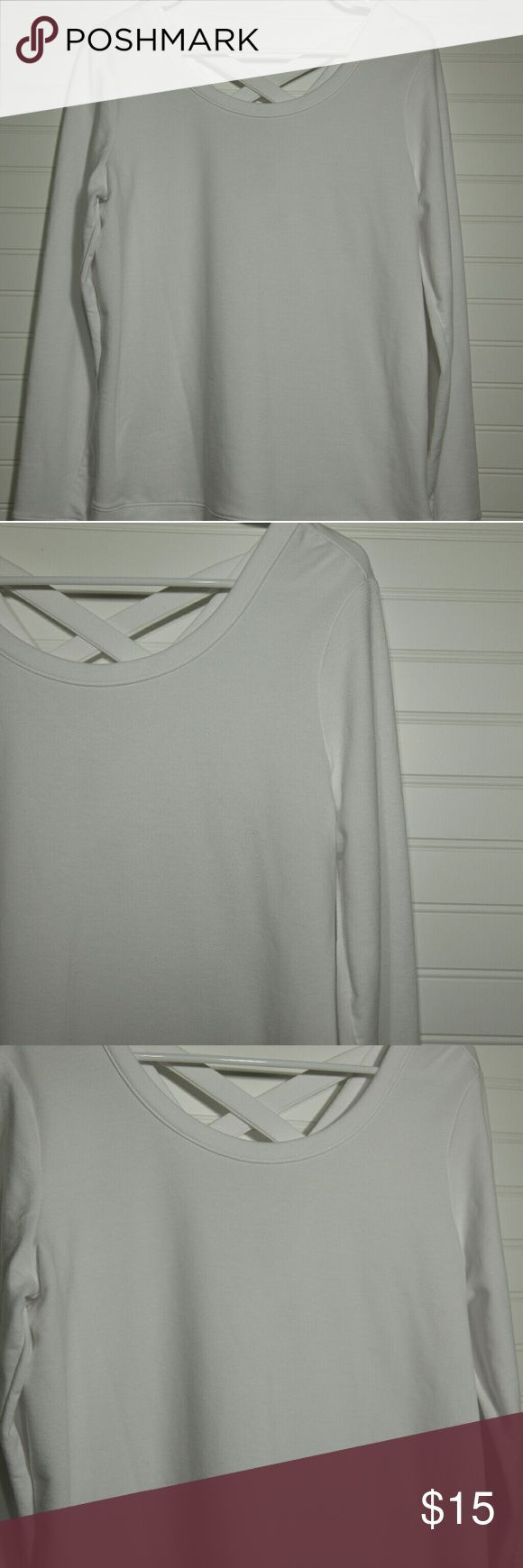 Old Navy Women's ActiveWear Swearshirt Top Only worn once! Old Navy Active Sweatshirt- thin! Love the X back!! Size Small Old Navy Tops Sweatshirts & Hoodies