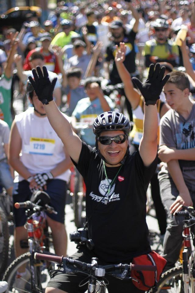"""Esto de ser Happys """"se toma en serio"""". Be Happyciclistas.  Pedalear es LA RAJA!"""