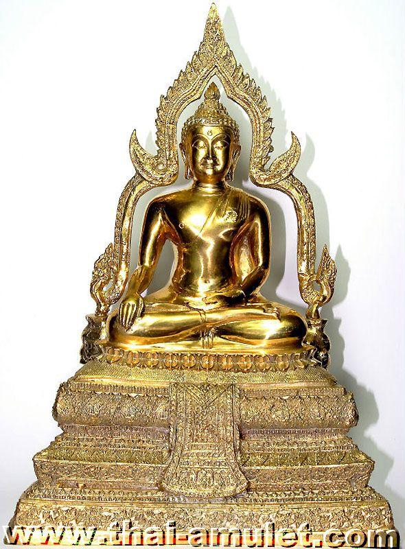 "Original Tempel Buddha Statue (Phra Bucha) ""Luang Pho Phet"", des Provinz Patriarchen von Pichit, Luang Pho Boonmee, aus dem Wat Tha Luang, Tambon Nai Mueang, Amphoe Mueang Pichit, Changwat Pichit, Thailand, aus dem Jahre BE 2540 (1997)."