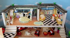 This is my latest building a modern Art Deco style  house. I liked the new luxury villa from Playmobil from the moment I saw it, but bei...