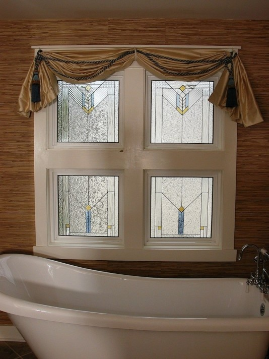 17 best images about bathroom windows on pinterest for Decorative windows for bathrooms
