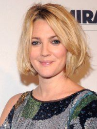 Drew Barrymore's New Textured Bob   | Daily Makeover