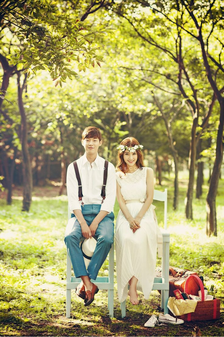 pre wedding photo shoot in Korea with cherry blossom, cherry blossom pre wedding…