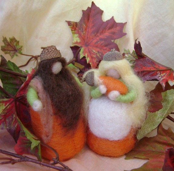 Waldorf - The Autumn Acorn Family   -   needle felted wool figures