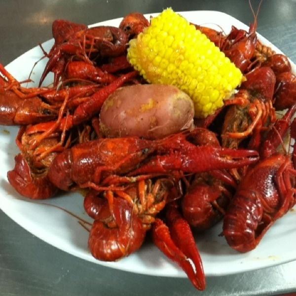 It's crawfish season at the Ragin Cajun in Houston!